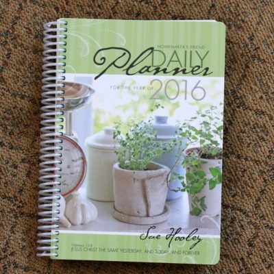2016 Homemaker's Friend Daily Planner  {Giveaway}